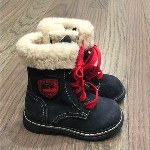 Never worn toddler boy Ice Iceberg boots sz20